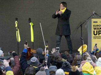 Katalánski separatisti v Bruseli skandovali: Puidgemont náš prezident