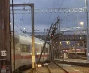 Rušňovodič osobného vlaku nenesie vinu na utorkovom nešťastí v Nemecku
