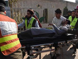 Útoky Talibanu: Blíži sa čas Vianoc a kresťania v Pakistane sa obávajú o bezpečnosť kostolov