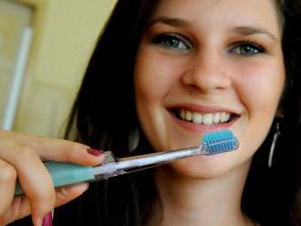 Zubári predstavili veci, ktoré zubom škodia viac ako sladkosti