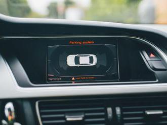 Airbag má dnes už 99 % vozidiel, štandardom je aj klimatizácia či ABS
