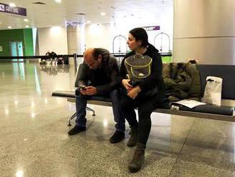 Tbilisi sa rozčuľuje: na Ukrajinu nepustili gruzínskych novinárov: najprv ich vypočúvali a potom jed