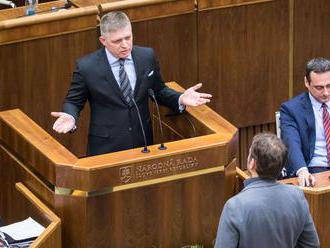 Poslanci schválili novelu zákona o DPH, rozpočet zostal nedoriešený