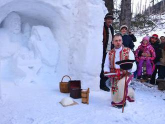 O dôvod viac navštíviť Vysoké Tatry: Pri Rainerovej chate opäť vyrastá snehový betlehem