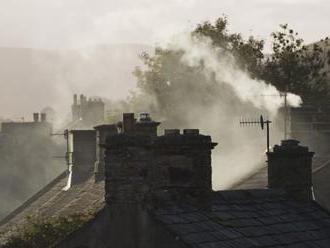 V Jelšave a okolí varujú pred silným smogom, príčinou aj vykurovanie nekvalitným palivom