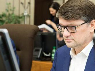 Minister Maďarič sa vzdal funkcie podpredsedu strany Smer-SD, premiérovi Ficovi napísal aj dôvod