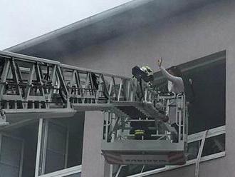 V Radnicích hořela učebna přírodopisu: Bylo to cvičení, ale hasiči to nevěděli