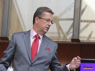 Bývalí ministri obrany predložili deklaráciu o podpore obrany SR