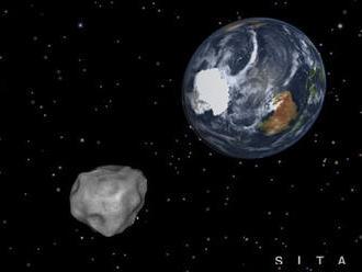 Okolo Zeme bezpečne preletel asteroid veľkosti gibraltárskej skaly