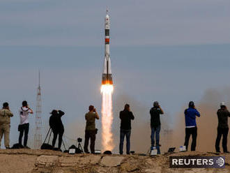 Z Bajkonuru odštartoval Sojuz s rusko-americkou posádkou
