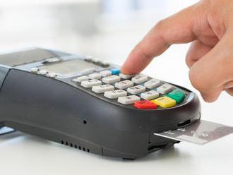 Mastercard má platobnú kartu s čítačkou odtlačkov prstov