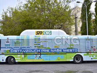 Bratislavská MHD to opäť skúsi s plynom: Do ulíc vyrazil nový bus na CNG