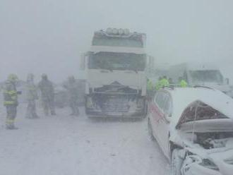 Polícia prehovorila o hromadnej nehode na severnej D1: Rekordný počet poškodených áut