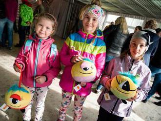 Mechúrik-Koščúrik rozosmial deti v regiónoch