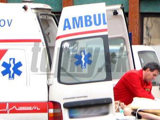 Práca zdravotníka býva životu nebezpečná: Často čelia útokom, aj škrteniu