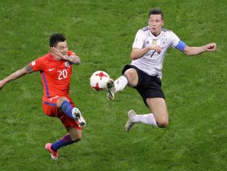 Německo na Poháru FIFA remizovalo s Chile, Ngadeu nahrál na gól