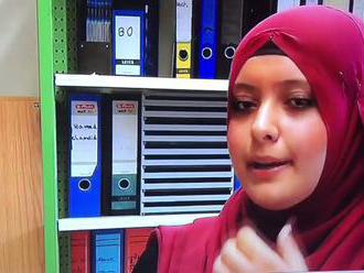 Muslimští studenti přijeli z Německa do Polska studovat holocaust. Poláci po nich plivali