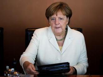 Merkelová: Britské predstavy o brexite si Únia pozorne vypočuje