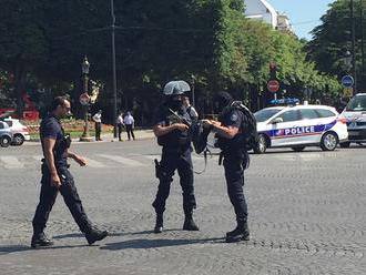 Z Paríža hlásia policajnú operáciu na Champs-Elysées