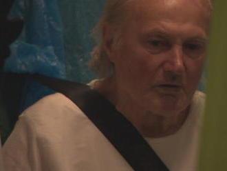 Blúdiaci senior Albert: Rodina ho nechce, kde nakoniec skončil?