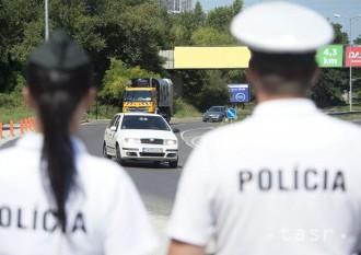 Policajti skontrolujú vodičov na viacerých miestach v Košickom kraji