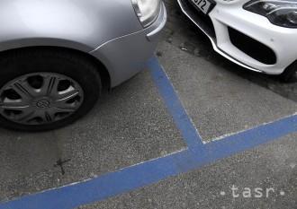 V Sásovej pribudne od septembra 116 nových parkovacích miest