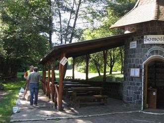 Pod hradom Šomoška pri Lučenci upravia hranice s Maďarskom