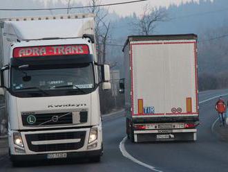 Zastavená cesta pod Strečnom rozhádala Kysuce s Oravou