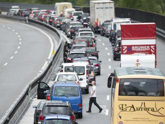 Nevyužívajte chorvátsko-slovinský priechod, upozorňujú dovolenkárov