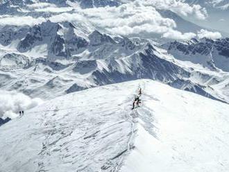 Pri výstupe na Mont Blanc sa zranili štyria slovenskí kňazi, dvaja z nich sú v kritickom stave