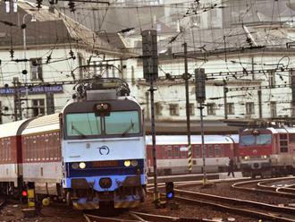 Železnice sa chvália, že zrýchlili slovenské rýchliky. Netešte sa predčasne, realita je žalostná!
