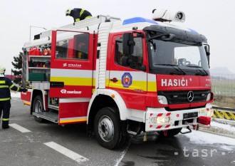Sobotný požiar autovrakoviska uhasili nedlho po jeho vzniku