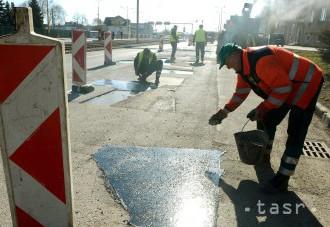 V Handlovej pokračujú s opravou ciest a chodníkov 1,4 milióna eur