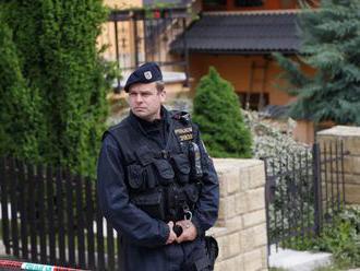 V Česku našli v rodinnom dome dve mŕtve ženy a batoľa, polícia zadržala podozrivého