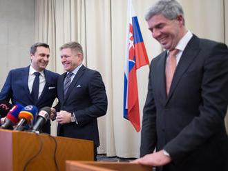 Kríza sa naťahuje a otvára veľa otázok: Čo sa deje s Ficom? Spamätá sa Danko? Zmieri ich Bugár?