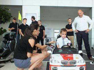 Študenti darovali postihnutým deťom unikátne autá