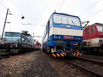 Na železničnej trati do Bratislavy sa roztrhol rýchlik