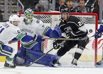 Vancouver v príprave NHL porazil Los Angeles až po predĺžení