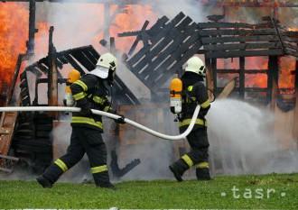 Pri požiari chaty v Mútnom zahynula jedna osoba, dve včas unikli