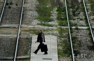 Zrážku s vlakom v Prievidzi neprežil jeden muž, vlaky meškajú