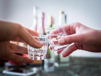 Alkoholikov sú u nás desaťtisíce, na liečenie sa čaká v poradovníkoch