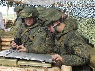 Rezort obrany upozornil na presuny vojenskej techniky cez naše územie