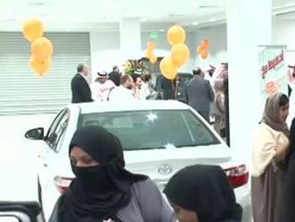 Genderová rovnosť na saudskoarabský spôsob – autosalón pre ženy