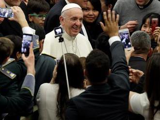 Pápež označil za hriech nepriateľské postoje voči utečencom