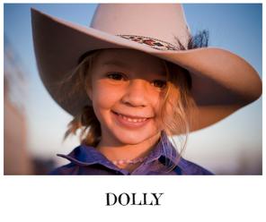 Otec pozval na pohreb svojej dcéry tých, čo ju šikanovali. 14-ročná Dolly sa zabila kvôli trollom