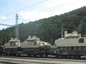 Rezort obrany upozorňuje na presuny vojenskej techniky