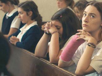 Film Boyhood má sesterský ekvivalent. Očarujúci Lady Bird