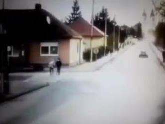 Osudná cesta Michala a Ivony v Šuranoch: Odstrašujúce VIDEO! Na priechode do nich vpálila vodička