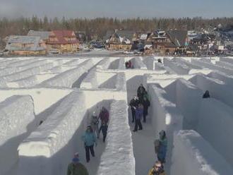 Na poľskej strane Tatier opäť postavili najväčší snehový labyrint na svete