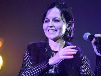 Záhadná smrť speváčky Dolores O  �Riordan   z The Cranberries: Toto boli jej démoni